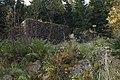 Norns bruk - ladugårdsruinen 110925 (1).JPG