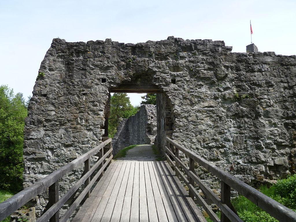 Obere Burg Schellenberg2.JPG