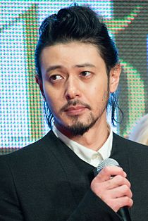 "Odagiri Joe ""Foujita"" at Opening Ceremony of the 28th Tokyo International Film Festival (22427400786) (cropped).jpg"