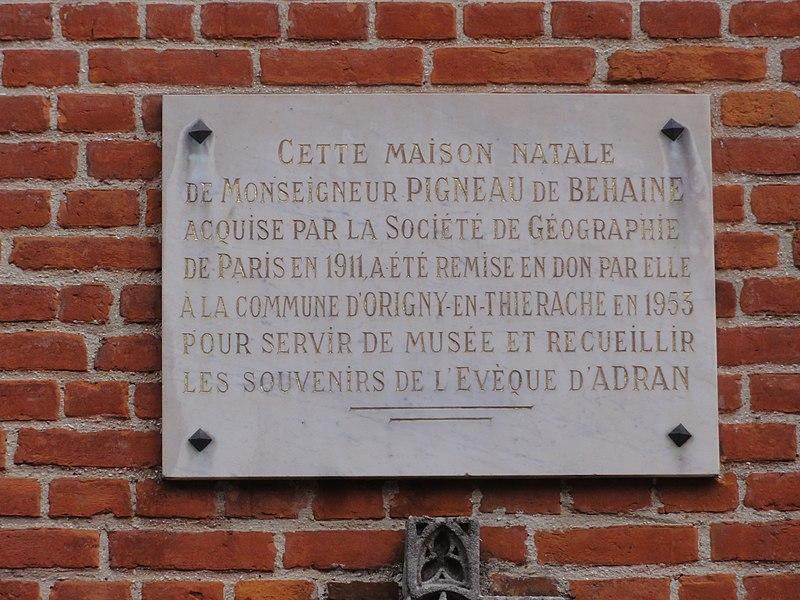 Origny-en-Thiérache (Aisne) maison natale de Mgr Behaine, plaque 1