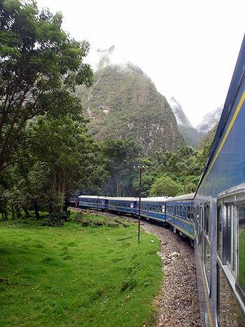Pérou Décembre 2007 - Train vers Aguas Calientes 1.jpg