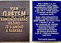 Pamětní deska obětem komunismu, majora René Černého a autodopravce Josefa Šípka ve Slaném.jpg