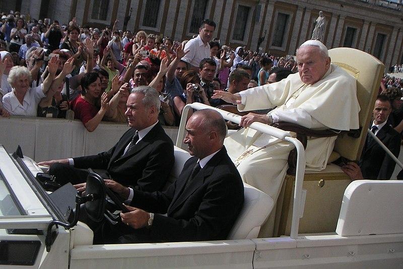 Der kränkliche Papst Johannes Paul II. am 22. September 2004