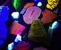 Parco della Preistoria, minerali fluorescenti. - panoramio.jpg