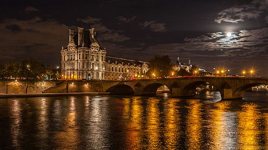 Night over Pont Royal and Pavillon de Flores.