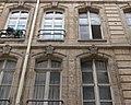 Paris - 73 rue Montorgueil - fenetres rue Leopold-Bellan.jpg