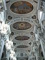 Passau Dom Hauptschiff Decke.jpg