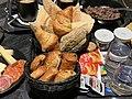 Petit-déjeûner en chambre en période Covid en France en janvier 2021.jpg