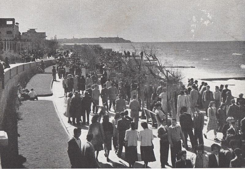 הטיילת בחוף תל אביב