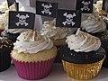 Pirate Themed Wedding Cupcakes (5048777048).jpg