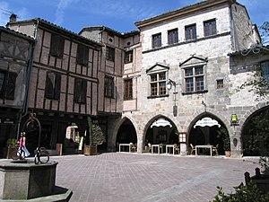 Castelnau-de-Montmiral - The main square in Castelnau-de-Montmiral