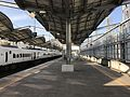 Platform of Yukuhashi Station (JR) 3.jpg