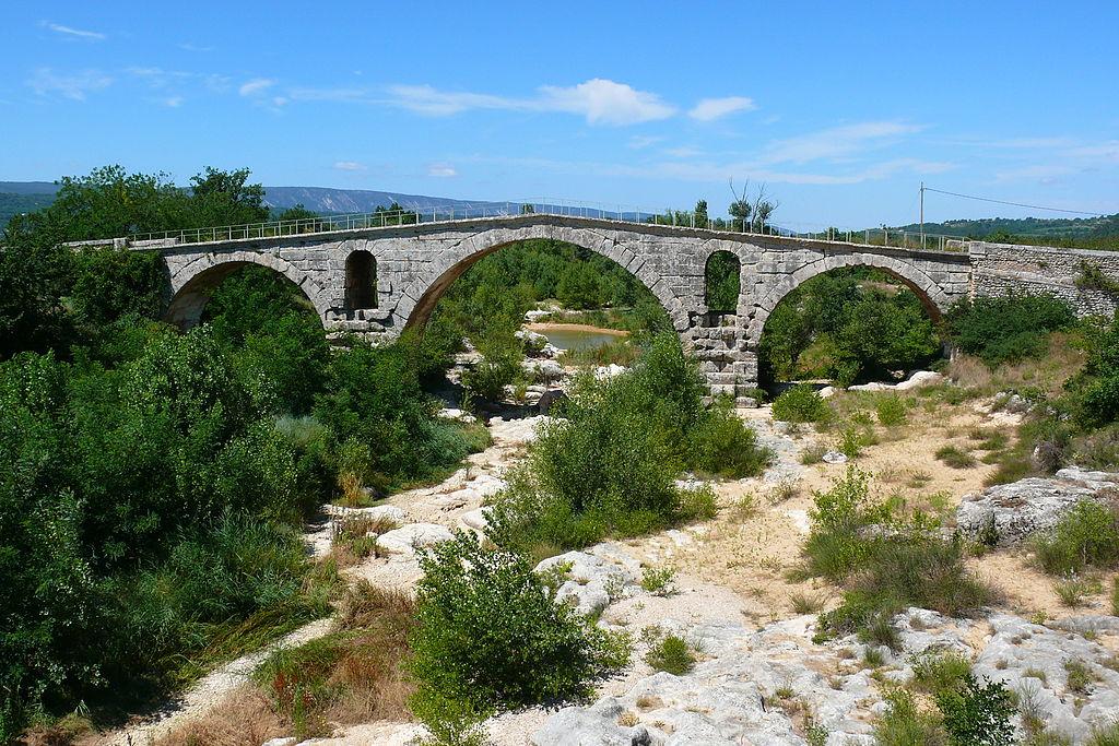 Le Calavon sous le Pont Julien