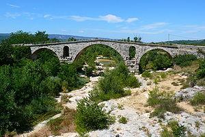 Pont Julien - Pont Julien