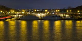 Pont des Invalides bridge