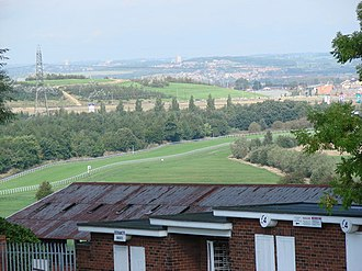 Pontefract Racecourse - Image: Pontefract Racecourse seen from Park Hill, Pontefract geograph.org.uk 250564