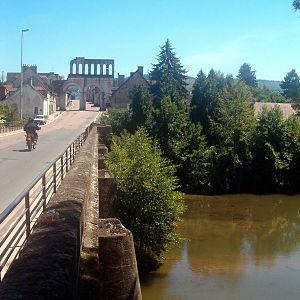 Français : L'Arroux à Autun, près de la Porte ...