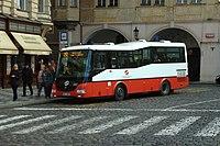 Praha, Malá strana, autobus.jpg