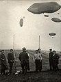 Proefballonnen op Amsterdamse Vliegweek 1910 - Flying week Amsterdam 1910- trial balloons (7090039673).jpg
