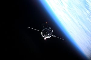 Progress M1-7 - Progress M1-7 approaching the ISS