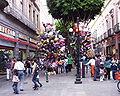 Puebla - Rue en fête.JPG