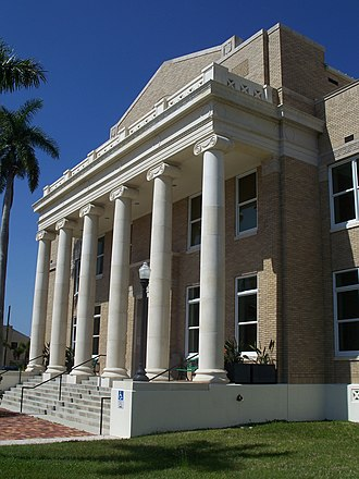 Old Charlotte County Courthouse - Front detail