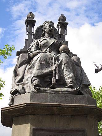 Statue of Queen Victoria, St Helens - Figure of Queen Victoria