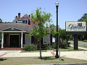 Quitman City Hall.jpg