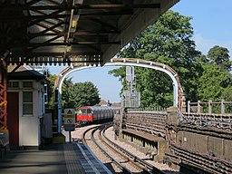 Ravenscourt Park Station (geograph 5087411)