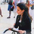 Reading Joodse vrouw bij de klaagmuur in Jeruzalem.jpg