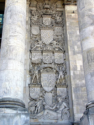 Federal territory - Alsace-Lorraine's coat of arms can still be seen on the Reichstag building in Berlin (at the very top), together with the coat of arms of the other states.