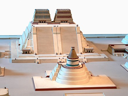 Scale model of the Great Temple at the Museo Templo Mayor in Mexico city Rekonstruktion Tempelbezirk von Tenochtitlan 2 Templo Mayor 3.jpg