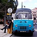 "Renault Estafette Bookshop (""Tell a story"") (12765508495).jpg"