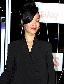 220px-Rihanna_2012