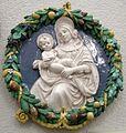 Robbiana, madonna col bambino, 1500 ca.jpg