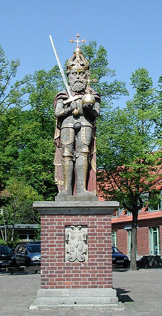 Wedel - A landmark in Wedel, the Roland statue