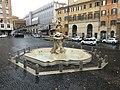 Rom - Piazza Barberini - Fontana del Tritone – Tritonenbrunnen - Triton Fountain - panoramio.jpg