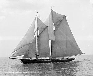 Rose Dorothea-Lipton's Cup-1907 Fishermen's Race.jpg