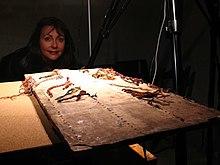 Sabine Hyland with khipu board.jpg