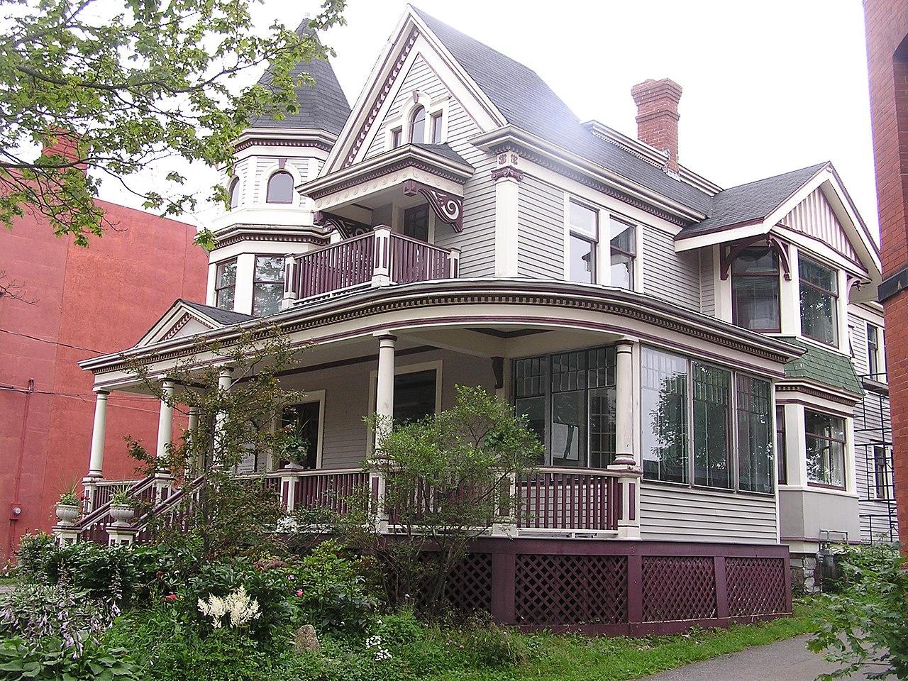 Homes In New Philadelphia Near Tuscora Park