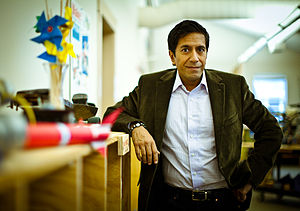 The Next List - Dr. Sanjay Gupta at MAKE headquarters