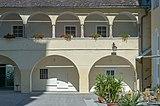 Sankt Georgen am Längsee Schlossallee 2 Stiftsgebäude Nord-Trakt Arkaden 12092015 1506.jpg