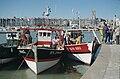 Scènes de retour de pêche - Trois chalutiers de pêche côtière à quai (1).jpg