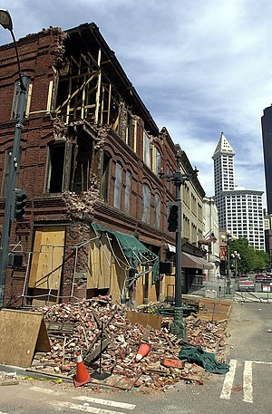 Seattle Fault - Damage to a masonry building (Cadillac Hotel) in Seattle, from the 2001 Nisqually earthquake