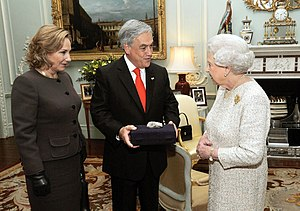 Chile–United Kingdom relations - Sebastián Piñera, and Queen Elizabeth II meet at Buckingham Palace in 2010