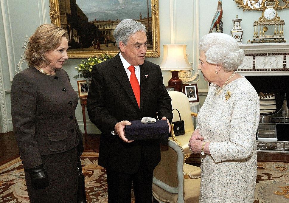 Sebastián Piñera - Reina Isabel