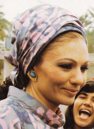 Draped turban - Farah Pahlavi wearing a printed silk draped turban in 1975