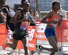 A sinistra: Shura Kitata che corre alla Maratona di Londra 2018.  A destra: Brigid Kosgei che corre allo stesso evento.