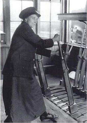 Signalwoman Birmingham 1918
