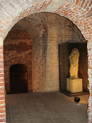 Coudenberg - Statue of an Apostle, 15th century – Koudenberg